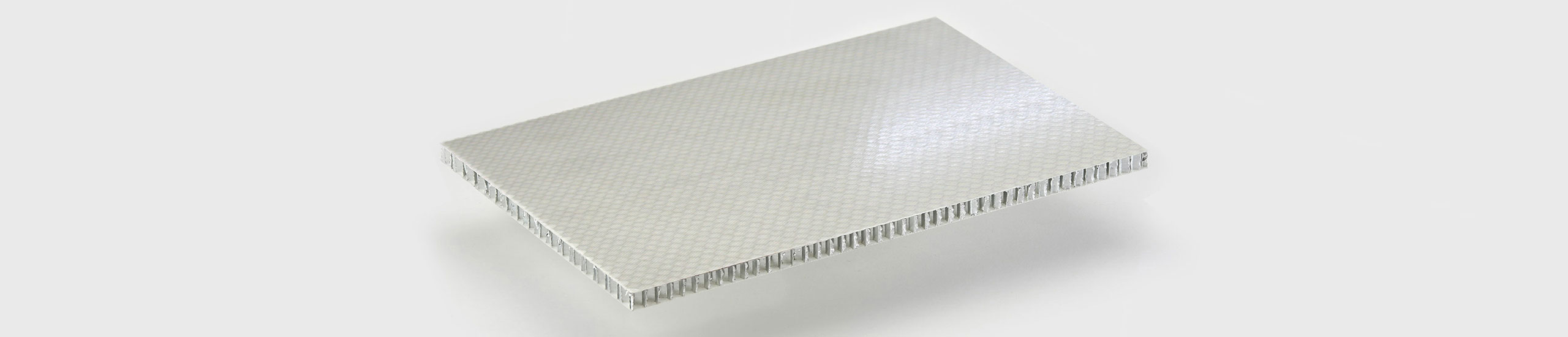 ALUSTEP ® 300 - D is a lightweight composite panel with an aluminium honeycomb core faced with fiber glass impregnated with epoxy resin.