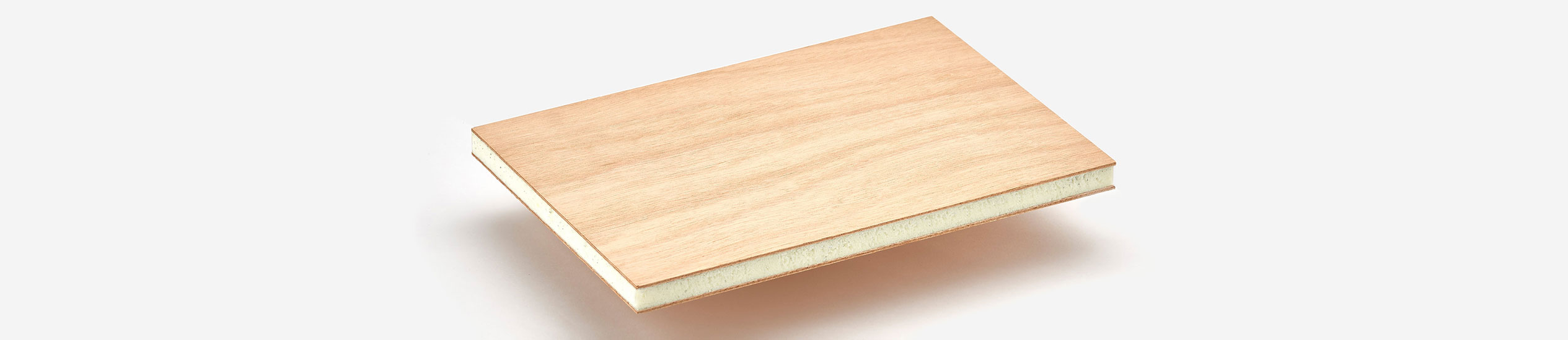 COMPOCEL-WF is a sandwich panel with a PVC foam core and skins in plywood.